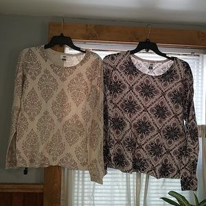 Set of 2 Old Navy sweaters size xl